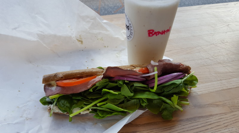 ffood sandwich og shake